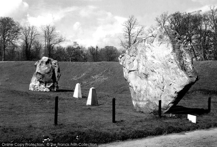 Avebury, The Diamond Stone, North Entrance c.1955