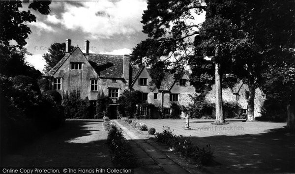 Photo of Avebury, The Manor House c.1955