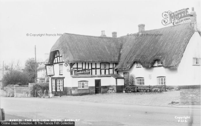 Photo of Avebury, The Red Lion Hotel c.1955