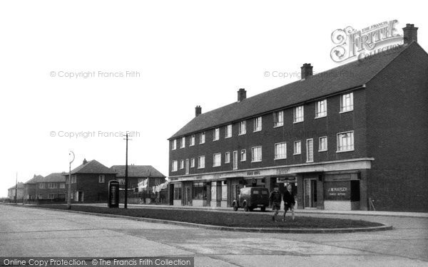 Photo of Aveley, Hall Road Estate c.1955