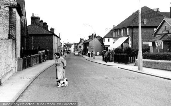 Photo of Aveley, High Street c.1960