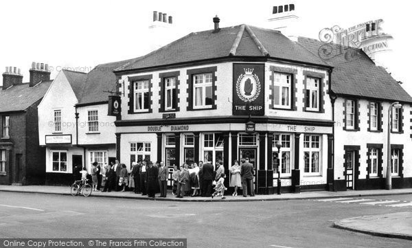 Photo of Aveley, Ship Hotel c.1960