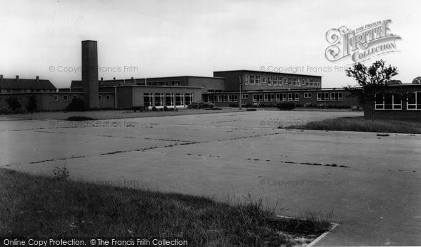 Photo of Aveley, the School c1960