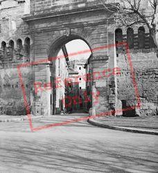 City Gateway c.1939, Avignon