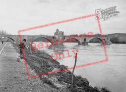 The Bridge 1939, Avignon