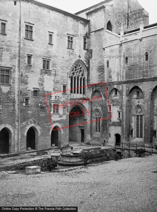 Photo of Avignon, The Palace 1939
