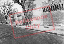 The Ramparts 1939, Avignon