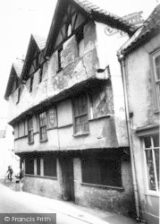 Axbridge, King John's Hunting Lodge c.1960