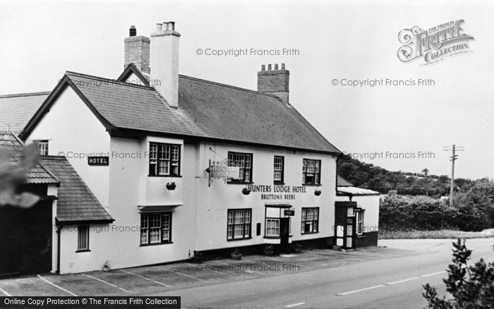 Photo of Axminster, Hunters Lodge Hotel c.1955