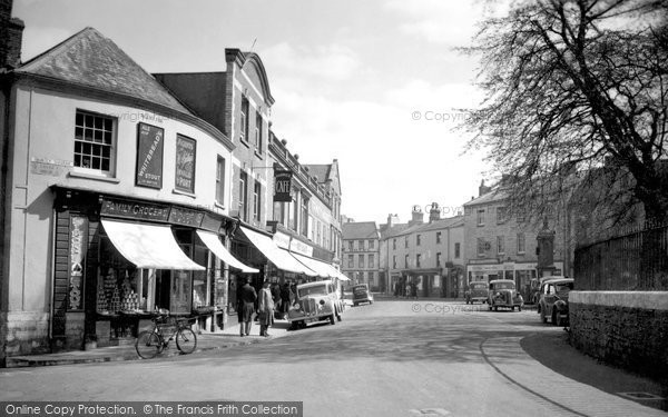 Photo of Axminster, The Square c.1940