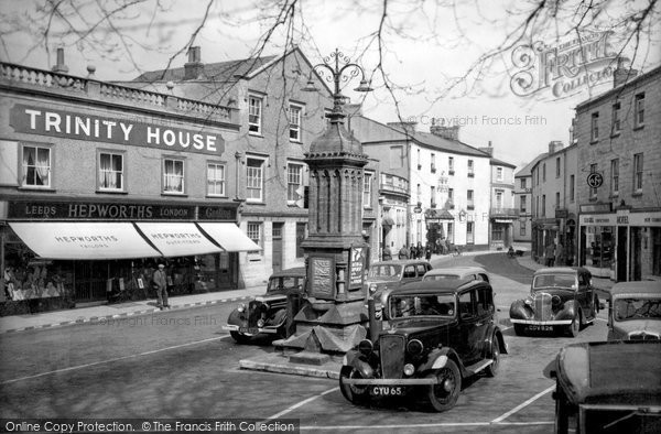 Photo of Axminster, Trinity Square c.1940