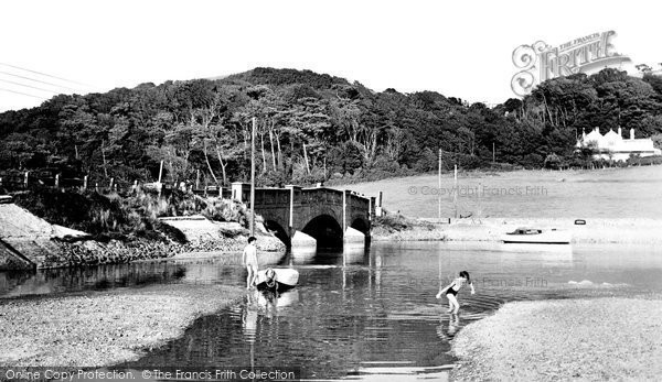 Axmouth, the Bridge c1955