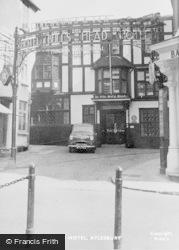Aylesbury, Bull's Head Hotel c.1955