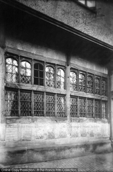 Photo of Aylesbury, Kings Head Hotel, Ancient Window 1901