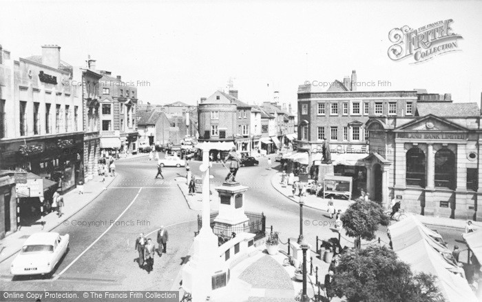Photo of Aylesbury, Market Square And John Hampden Statue  c.1955