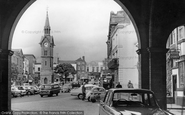 Photo of Aylesbury, Market Square c.1965