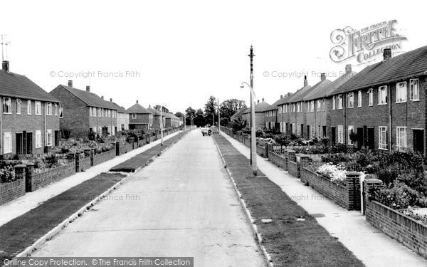 Photo of Aylesbury, Narbeth Drive c.1965