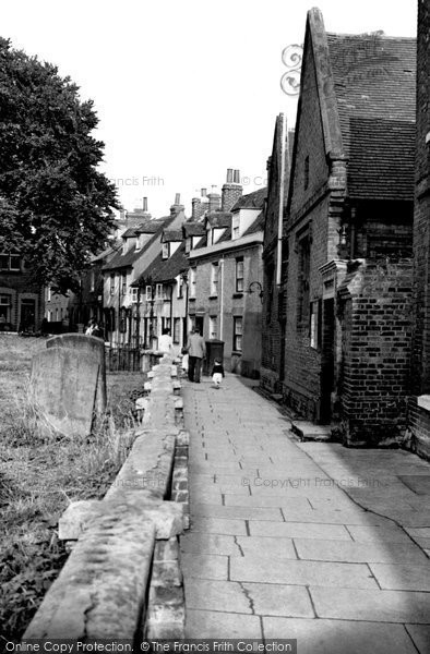 Photo of Aylesbury, St Mary's Square c.1955