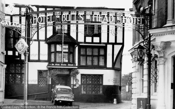 Aylesbury, The Bull's Head Hotel c.1965