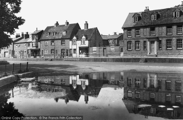 Photo of Aylesbury, Walton Pond c.1950