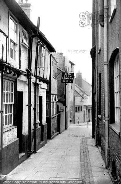 Photo of Aylesbury, Ye Olde Dark Lantern c.1955