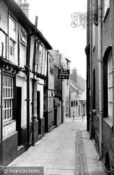 Aylesbury, Ye Olde Dark Lantern c.1955