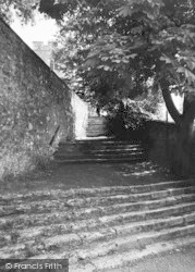 Aylesford, The Church Steps c.1960