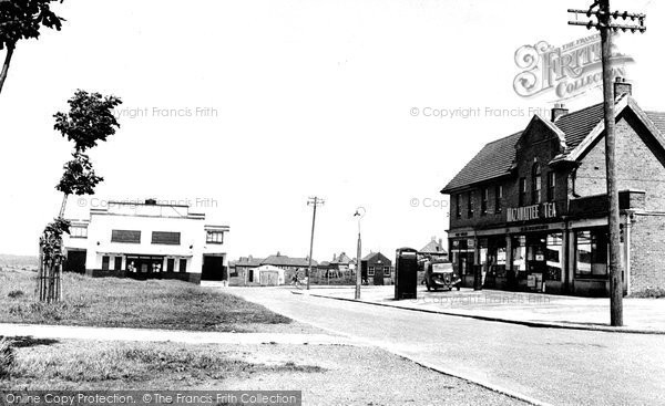 Photo of Aylesham, Market Square c.1955