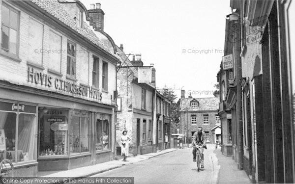 Photo of Aylsham, Red Lion Street c.1950