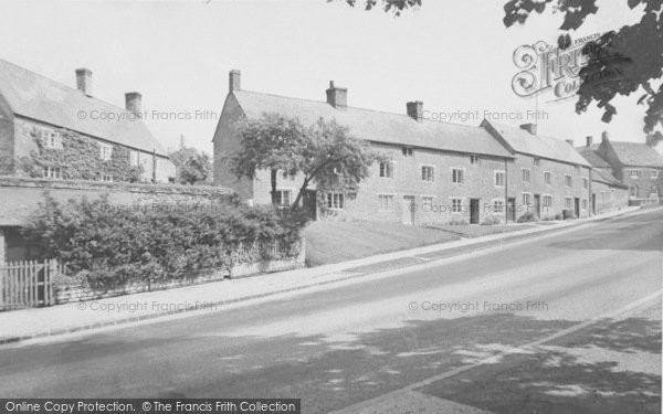 Photo of Aynho, Station Road c.1955
