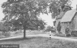 Aynho, The Village And Stocks c.1955