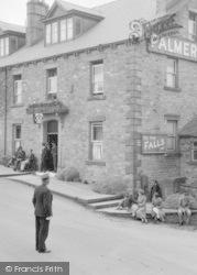 Aysgarth, People Outside Palmer Flatt Hotel 1932