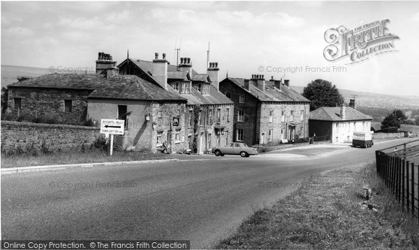 Photo of Aysgarth, The Village c.1965