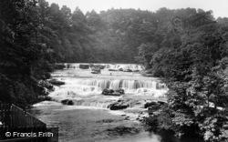 Aysgarth, Upper Falls 1924