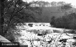 Upper Falls c.1935, Aysgarth