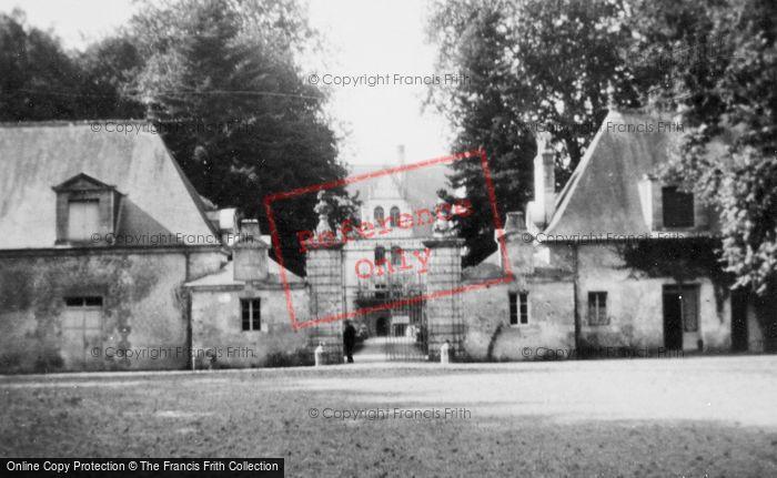 Photo of Azay Le Rideau, Chateau D'Azay Le Rideau, Entrance c.1935