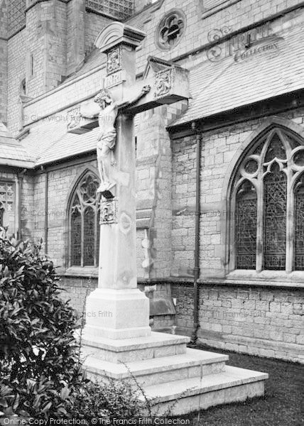 Photo of Babbacombe, All Saints Church Memorial Cross 1920