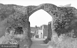 Bacton, The Abbey Gateway c.1950