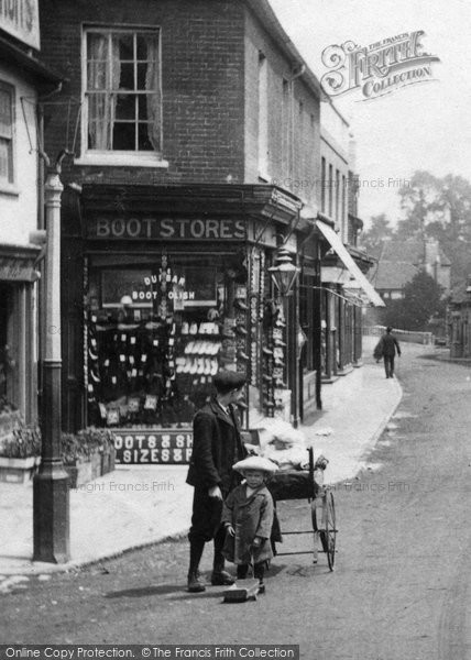 Bagshot, Brothers 1909
