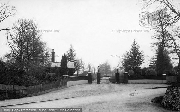 Bagshot, Entrance To Duke Of Connaughts Park 1903