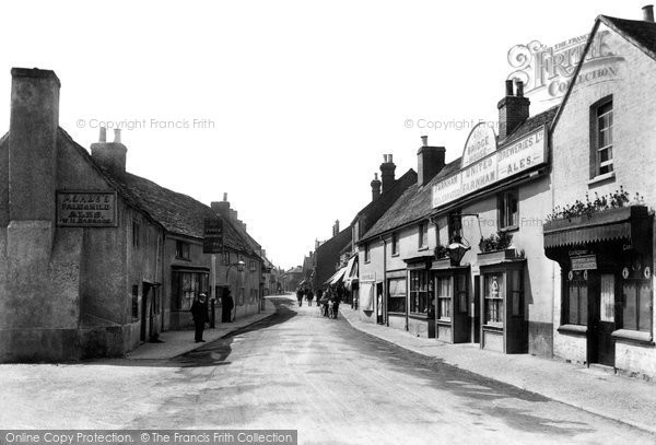 Bagshot, High Street, 1909. Reproduced courtesy of The Francis Frith Collection