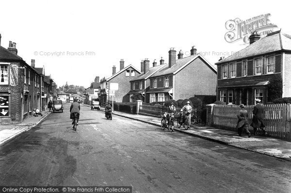 Photo of Bagshot, High Street 1925
