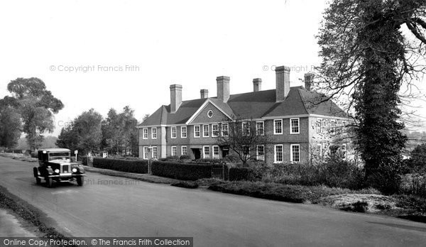 Photo of Bagshot, the Police Station and London Road 1928