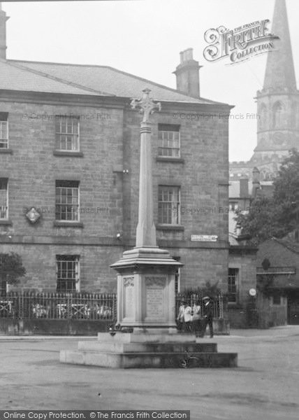 Photo of Bakewell, Memorial In The Square 1923