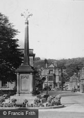 Bakewell, War Memorial in the Square c1935