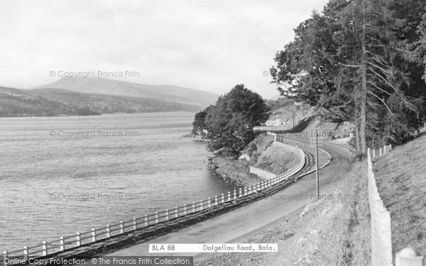 Photo of Bala, Dolgellau Road 1954