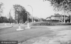 Balham, The Roundabout c.1965