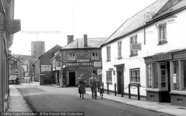 Photo of Bampton, Castle Street c.1950