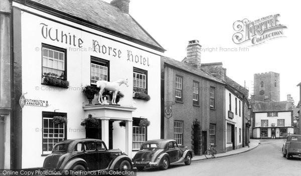 Photo of Bampton, White Horse Hotel c1950