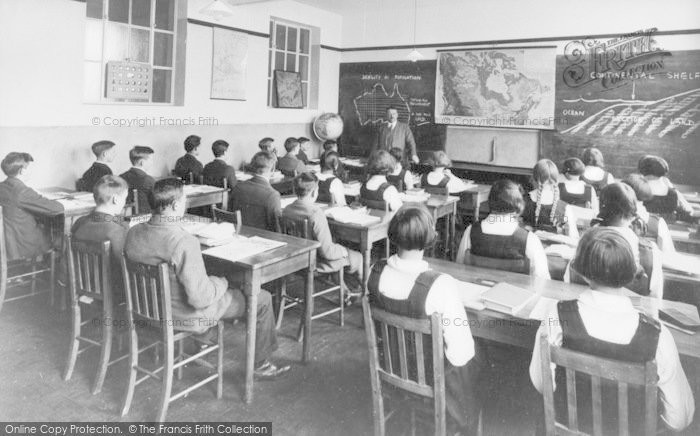 Photo of Banbury, County School, Geography Class c.1930